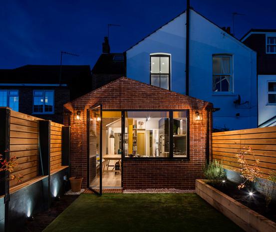 Yellow Steel House / Windmill Road, London, TW12
