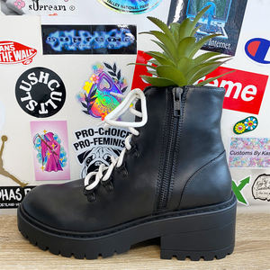 Black boot 3.png