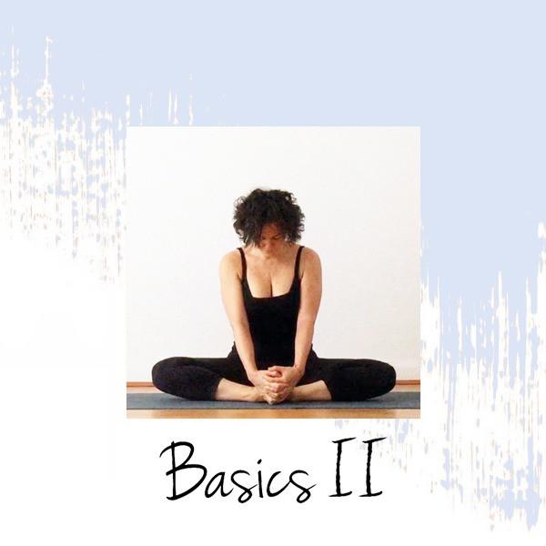 Yiyí Live It Slow Yoga realizando la postura Baddha Konasana