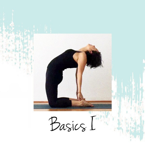 Yiyí Live It Slow Yoga realizando la postura Ustrasana