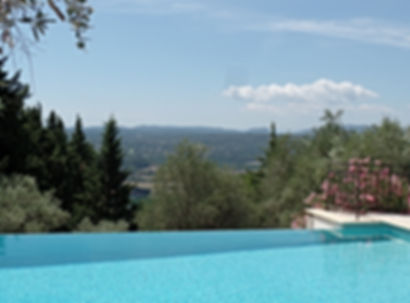 Infinity pool-Picholine-Villa Holidays Provence