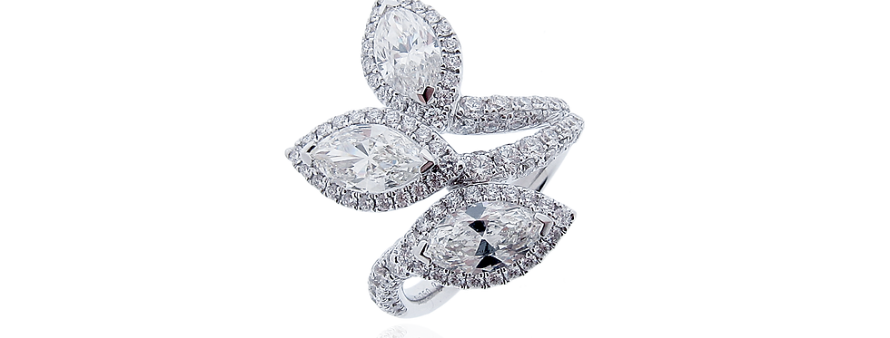 Marquise Diamond Ring in 18K White Gold