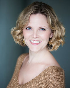 Elin-Manahan-Thomas-gold-top_low.jpg