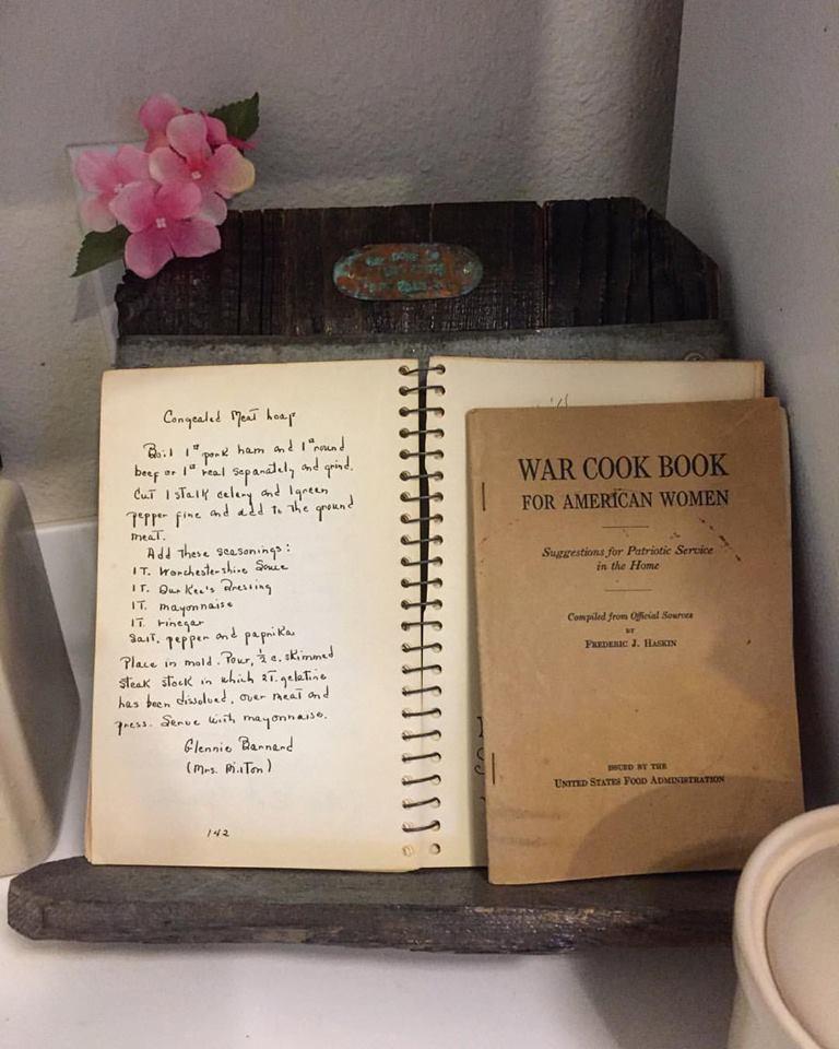 cookbook stand 249 a