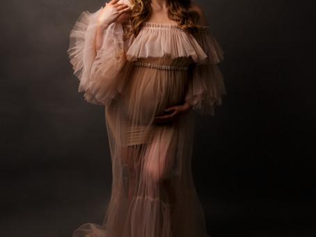 Alyssa's Fine Art Studio Maternity Session - With Jaemie Hillbish Photography.