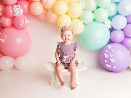 Mackenzie's Cake Smash Session - With Jaemie Hillbish Photography.
