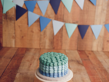 River's Little Boy Blue Cake Smash With Jaemie Hillbish Photography.