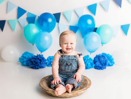 Hunter's Little Boy Blue Cake Smash - With Jaemie Hillbish Photography.
