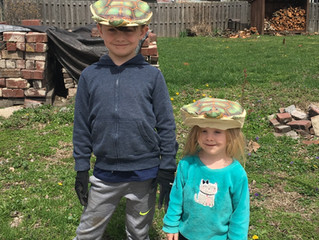 Kids, Kleaning and Turtle Hats