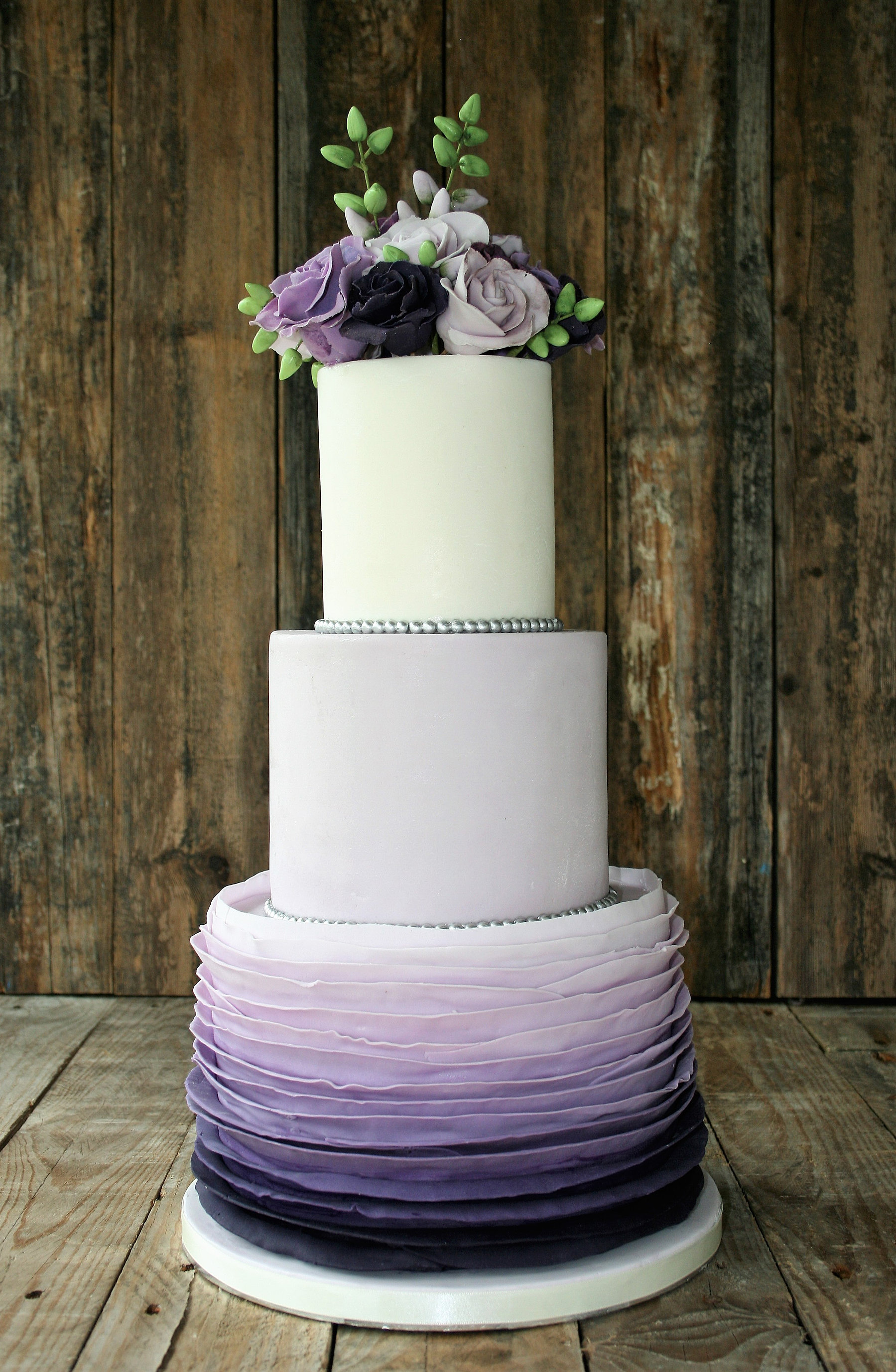 Love Um Cakes Wedding Cakes Birthdays munions Ireland
