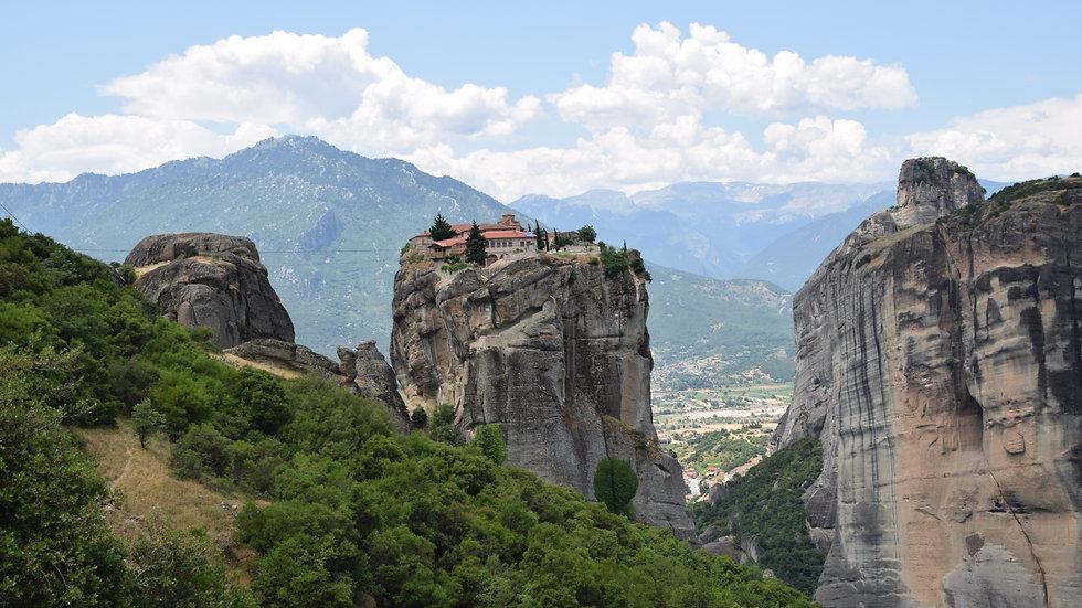 Holy_Trinity_Monastery_-_panoramio.jpg