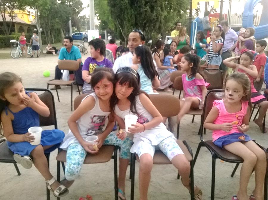 En-una-plaza-de-nuestro-barrio.jpg