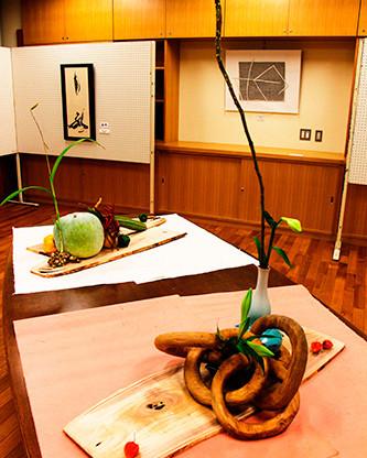 36特別展示<野菜の生け花>南砺市 二葉流 宮本 洸麗.jpg