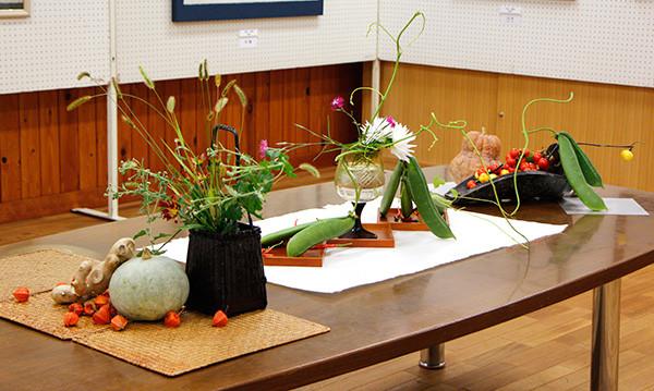42特別展示<野菜の生け花>南砺市 二葉流 宮本 洸麗.jpg