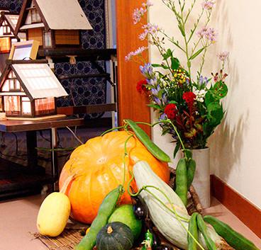 37特別展示<野菜の生け花>南砺市 二葉流 宮本 洸麗.jpg