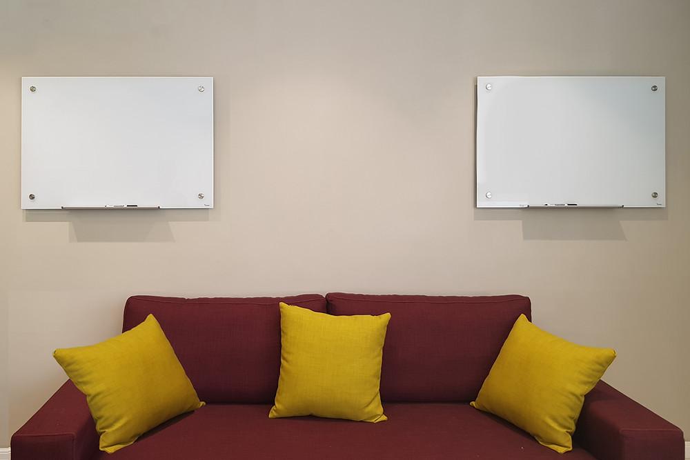 לוחות מחיקים מזכוכית בצבע לבן דגם קלאסי של המותג Bclear