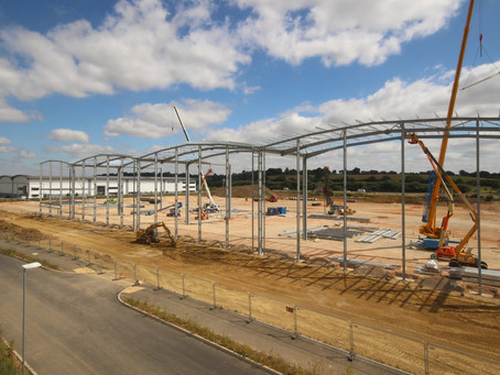 SPECULATIVE WAREHOUSE COMES FORWARD AT CENTRAL M40