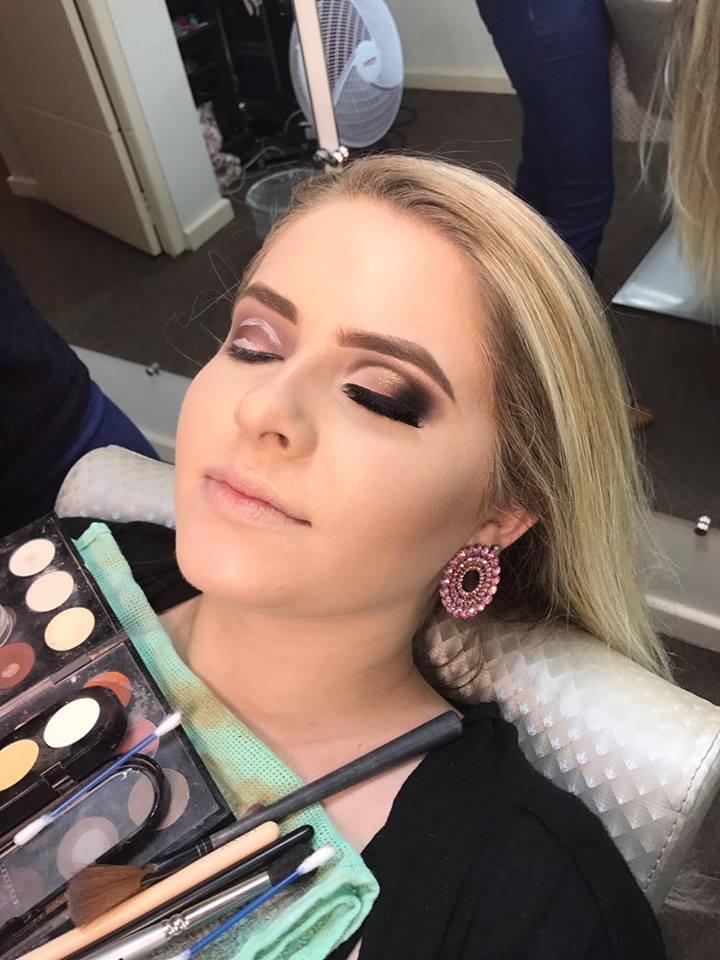 Curso de Maquiagem Profissional | Aperfeiçoamento para Maquiadores