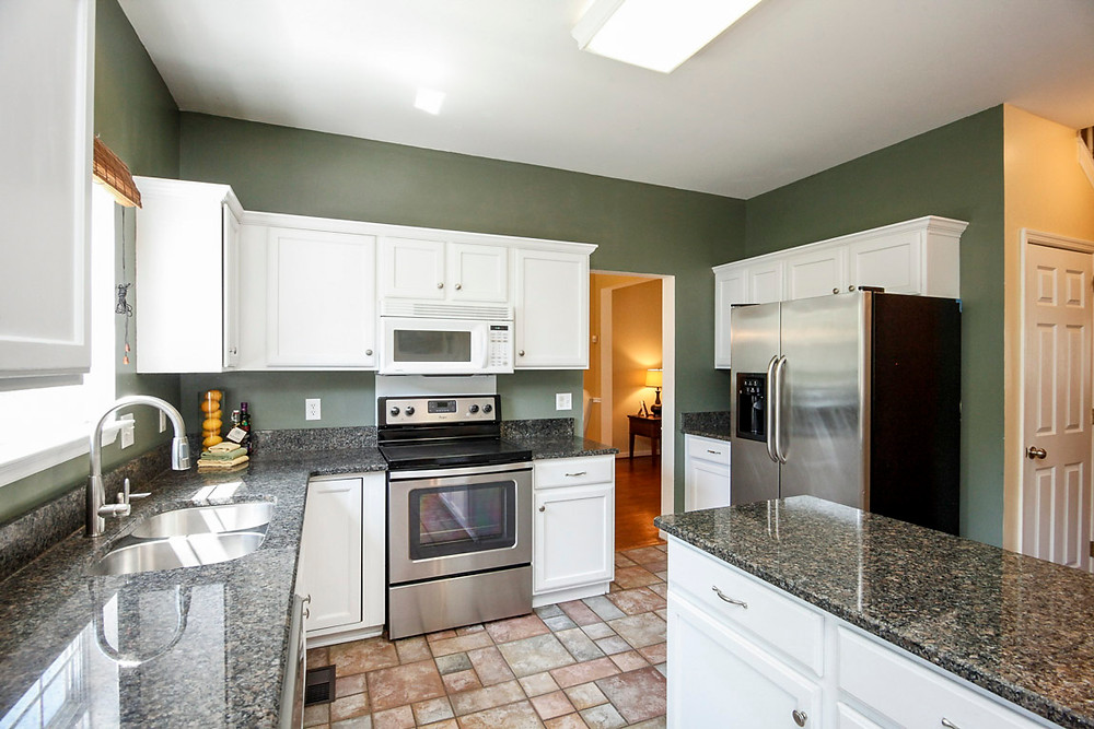 Granite & SS Appliances