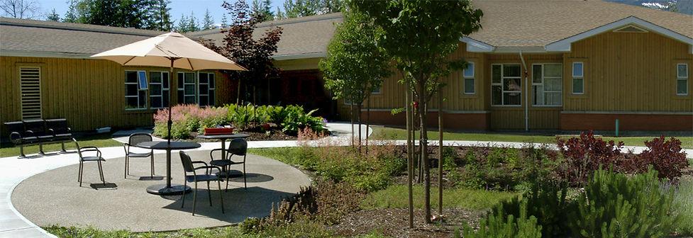 Queen Victoria Hospital dementia courtyard