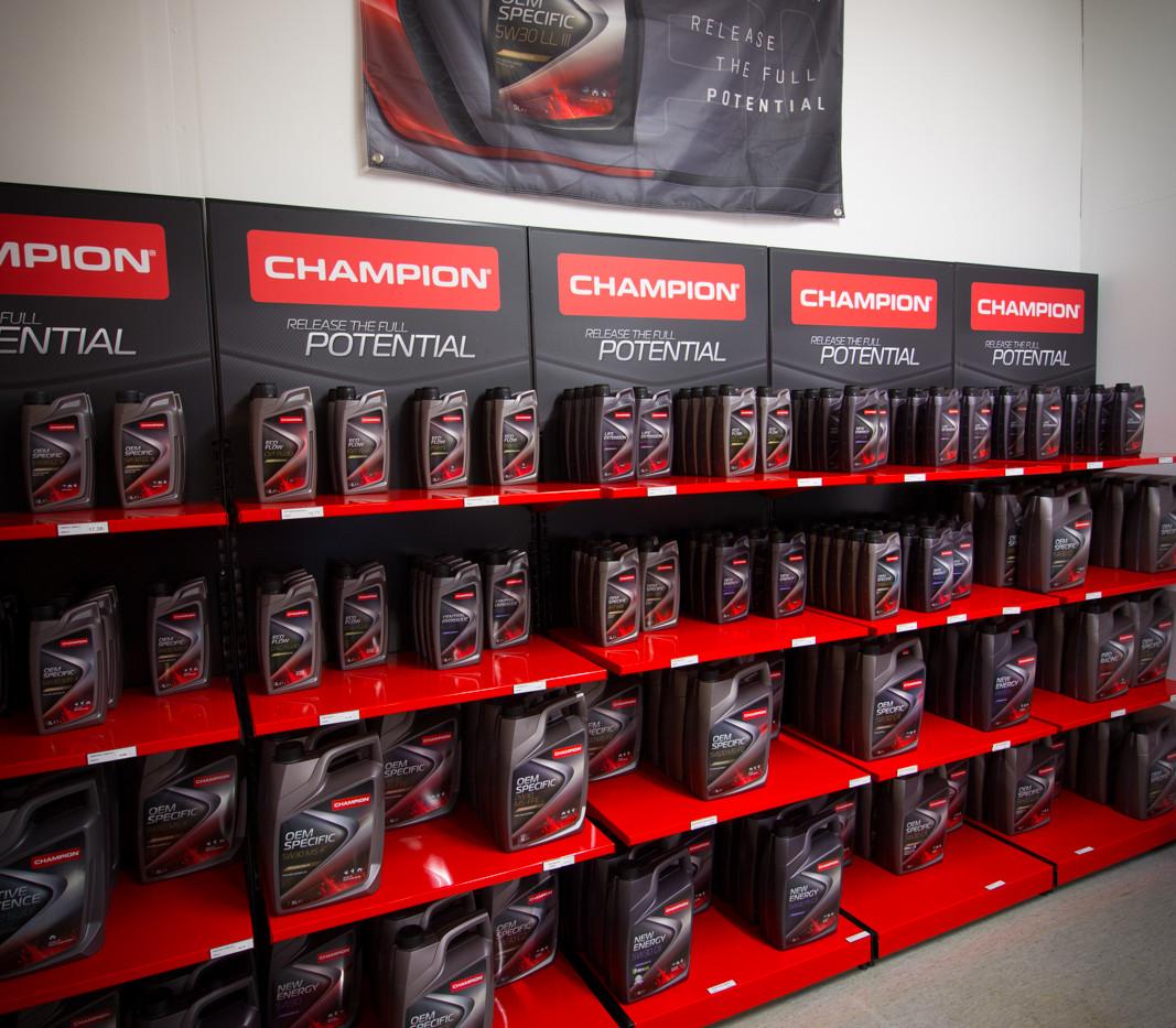 Laadukkaat Champion Lubes öljyt myymälästämme.