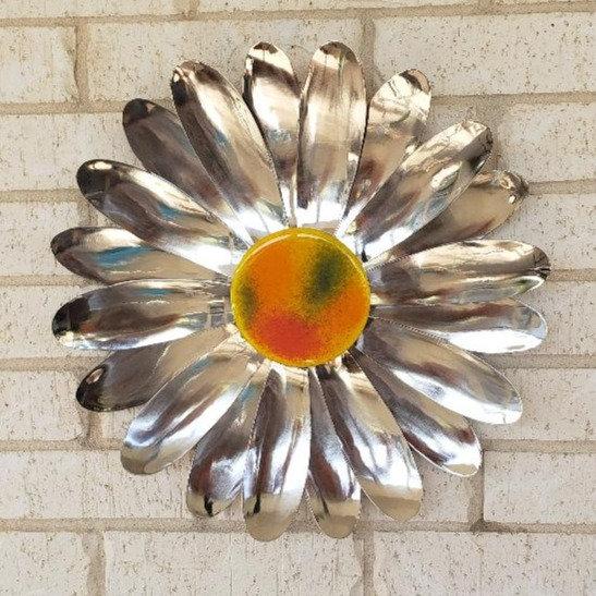 Lg Daisy Wall Flower $170.00