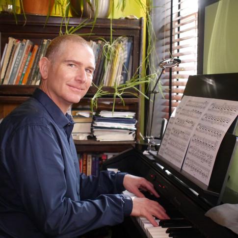 Michael J Evans