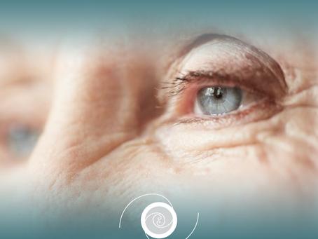 Causa de cegueira reversível: Catarata.