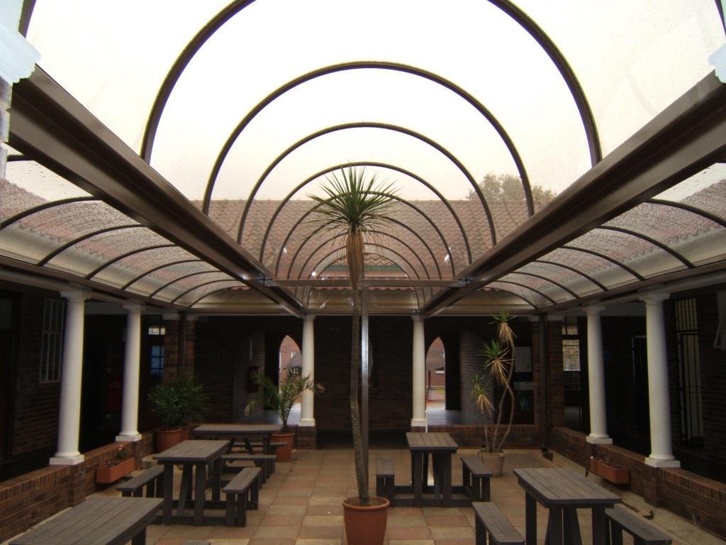 Low Rise & Semi Circular Vaults - St Davids School