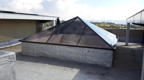 30° Pyramid