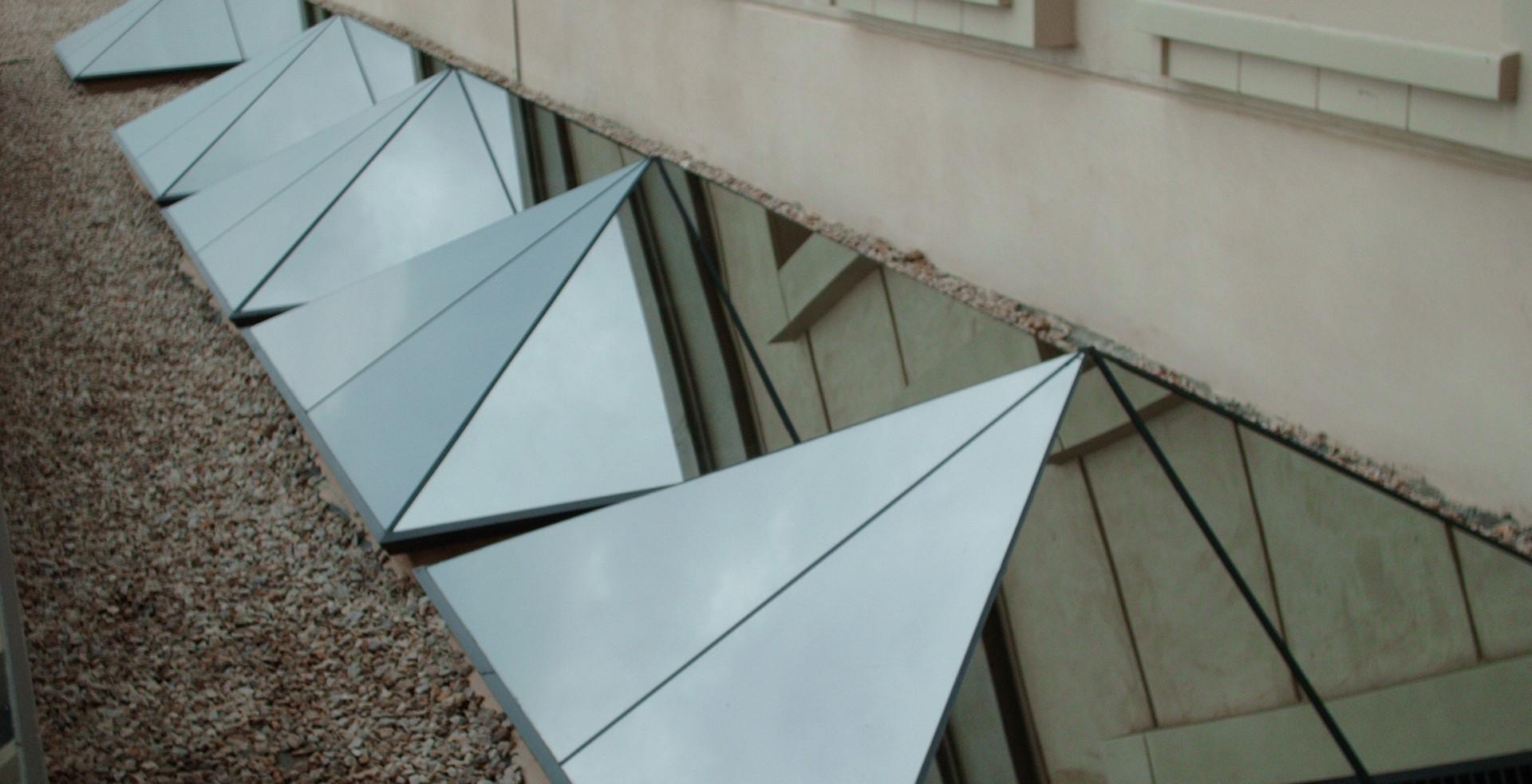 Flush Glazed 30° Pyramids