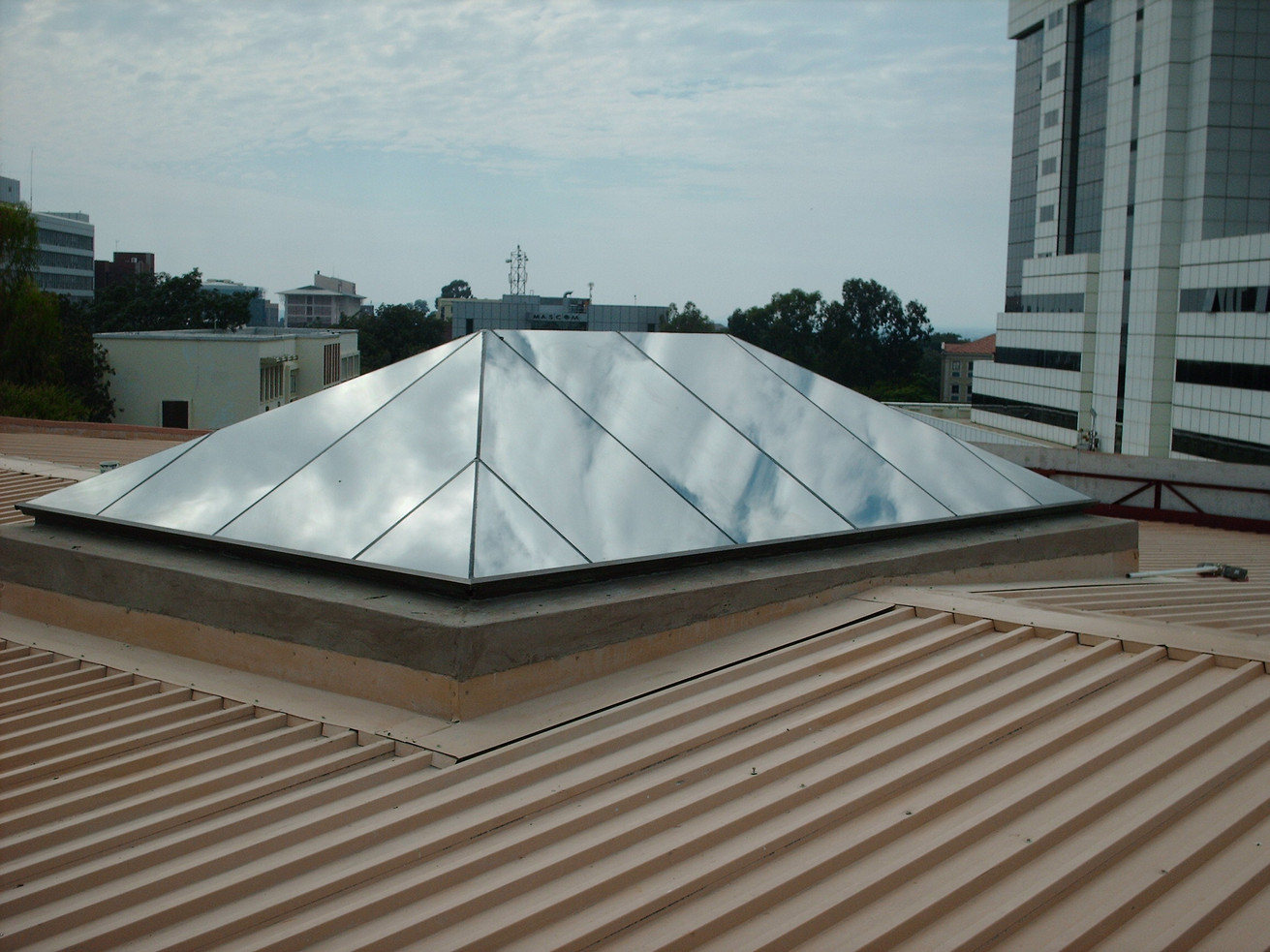 Ridge Pyramid with Hipped Gable Ends -