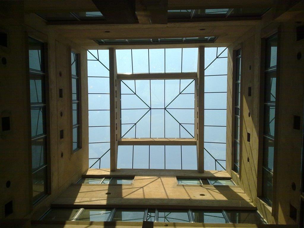 Flush Glazed Pyramid - Brits Hospital