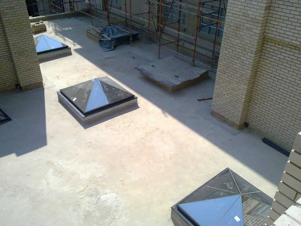 Flush Glazed 30° Pyramids - Brits Hospital