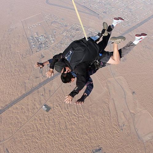 Saut en parachute en tandem dans le désert de Dubai