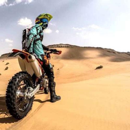 Session de Moto pendant 2heures dans le désert de Dubai