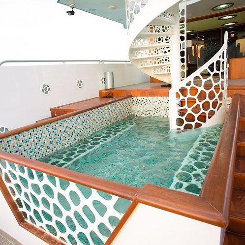 Location de yatch privé à Dubai 88Ft avec piscine