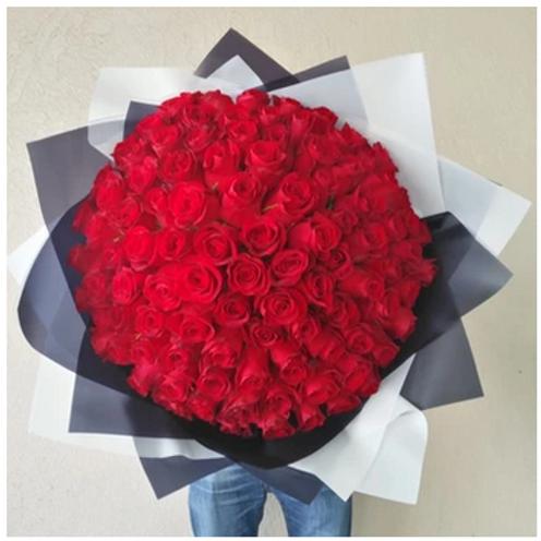 Bouquet de 100 Roses  livré à Dubai