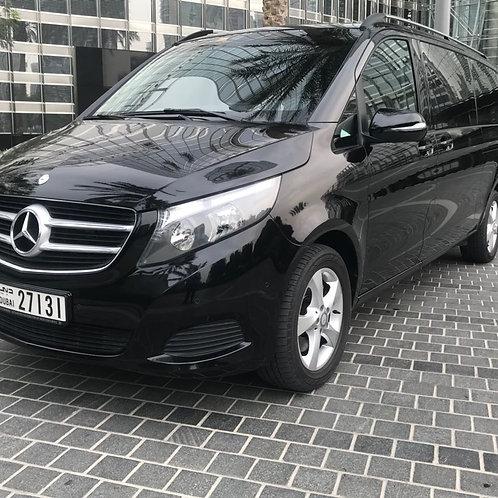 Mercedes Van noire Avec chauffeur à la journée ( 10h)