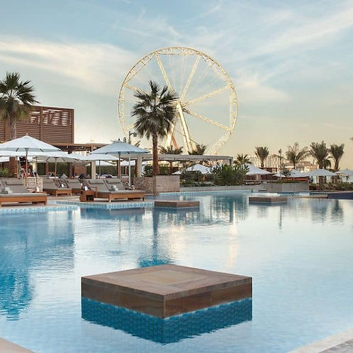 Azure Beach et piscine privée à Dubai