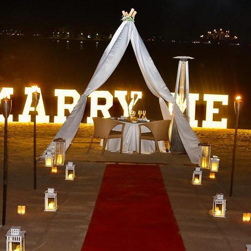 Diner pour 2 en amoureux Sur La Palm à Dubai Avec Lettres Led
