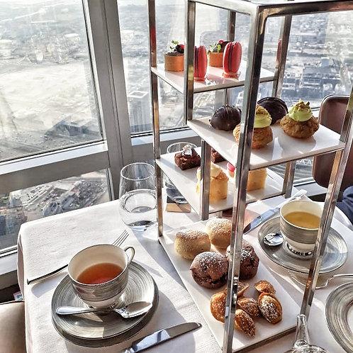 Thé dans les nuages au 122 ème étage de Buj Khalifa à Dubai