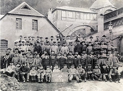 Arbeiter-um-1903.jpg