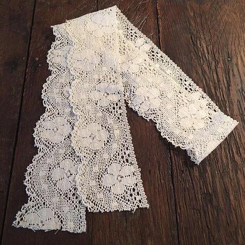 Vintage Pillow Lace Trim - Bone White