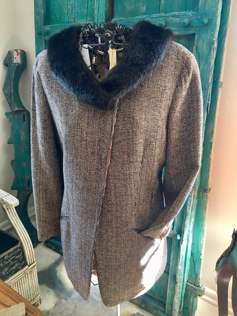 Vintage Coat with faux fur collar