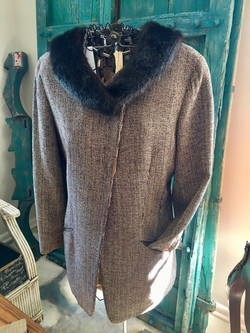 Vintage Coat with faux fur collar