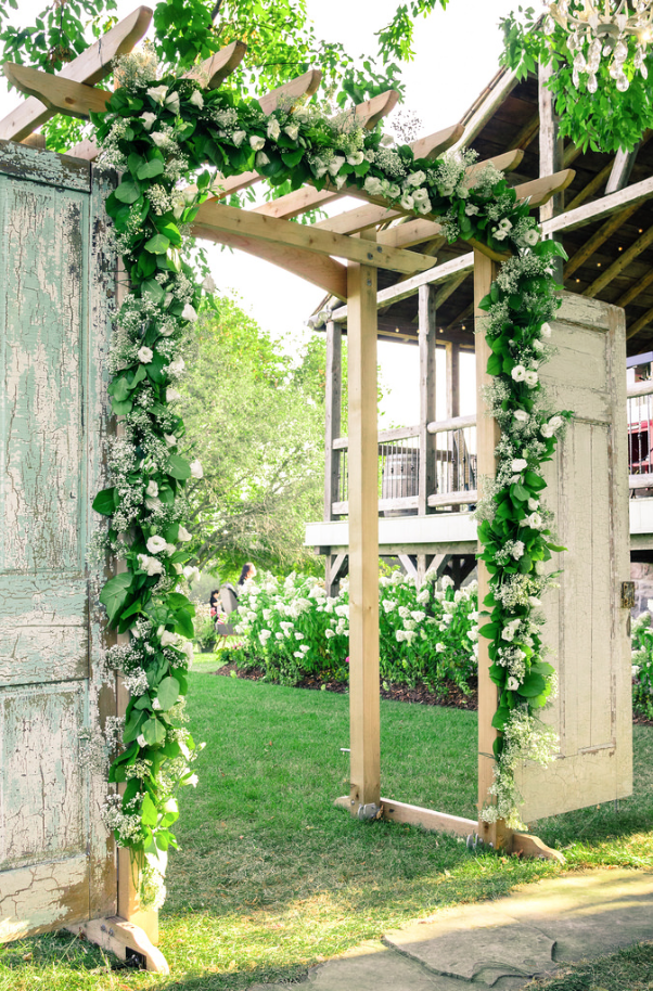 Garland Framing Ceremony Arch