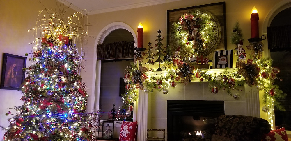 Living Room Mantle and Christmas Tree