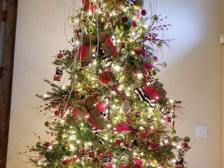 Petals & Potpourri's Secret Recipe to Christmas Tree Decorating