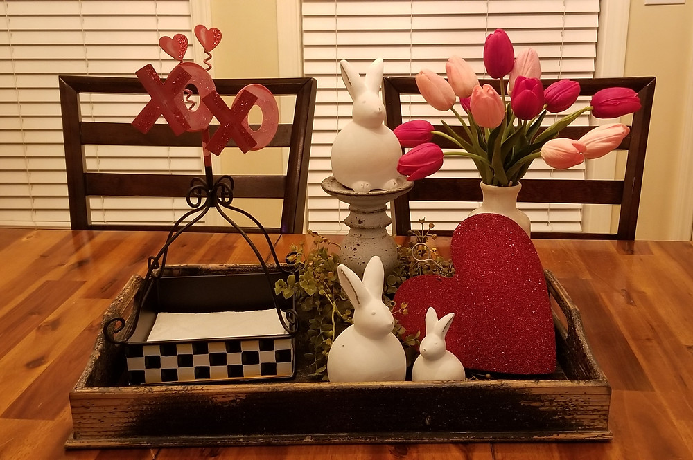 Dining Nook Valentine Decorations